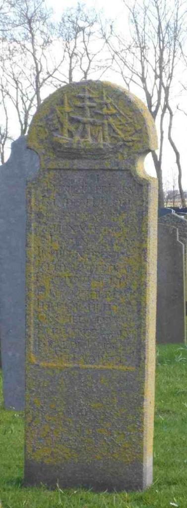 JF Hollum bemoste grafsteen